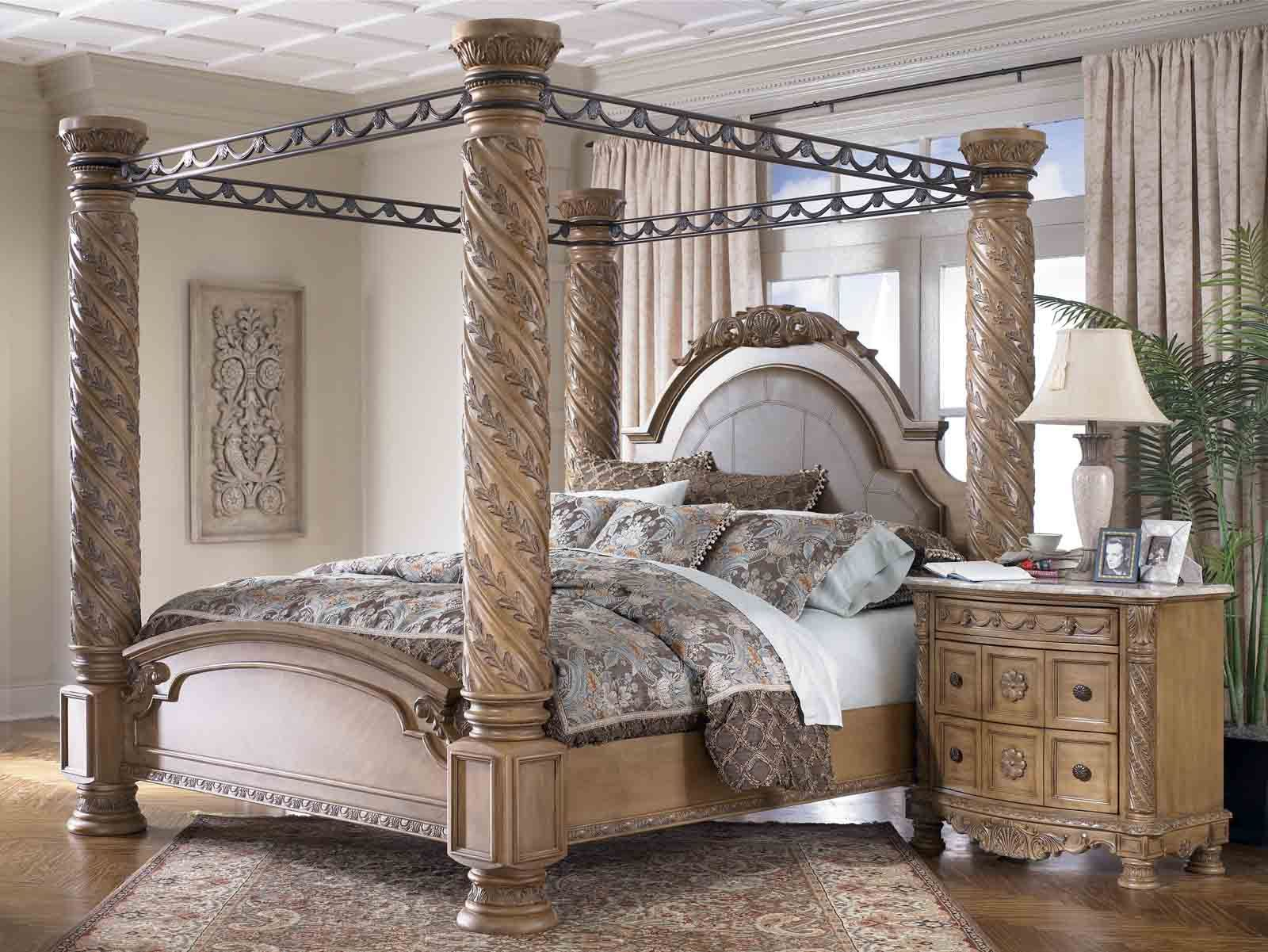 Pillar Bed Google Search Wood Canopy Bed King Size Canopy Bed