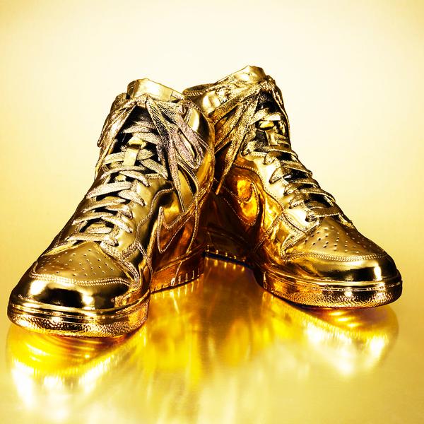 Goldene Damen Retro Sneaker von Nike online kaufen