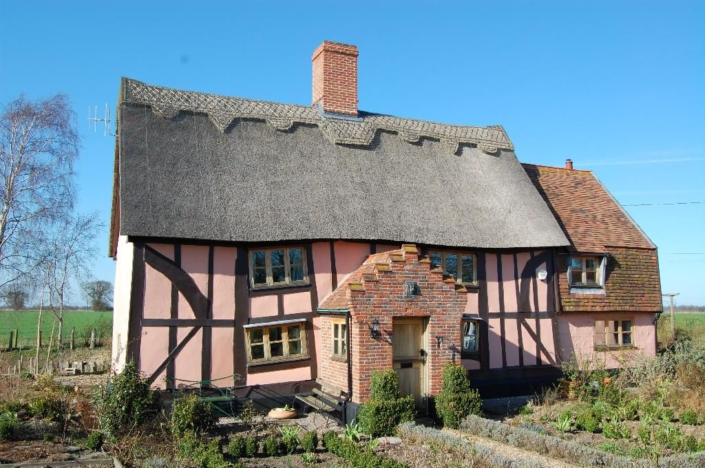 Nightmare cottage for sale in Ilketshall St Margaret, Bungay