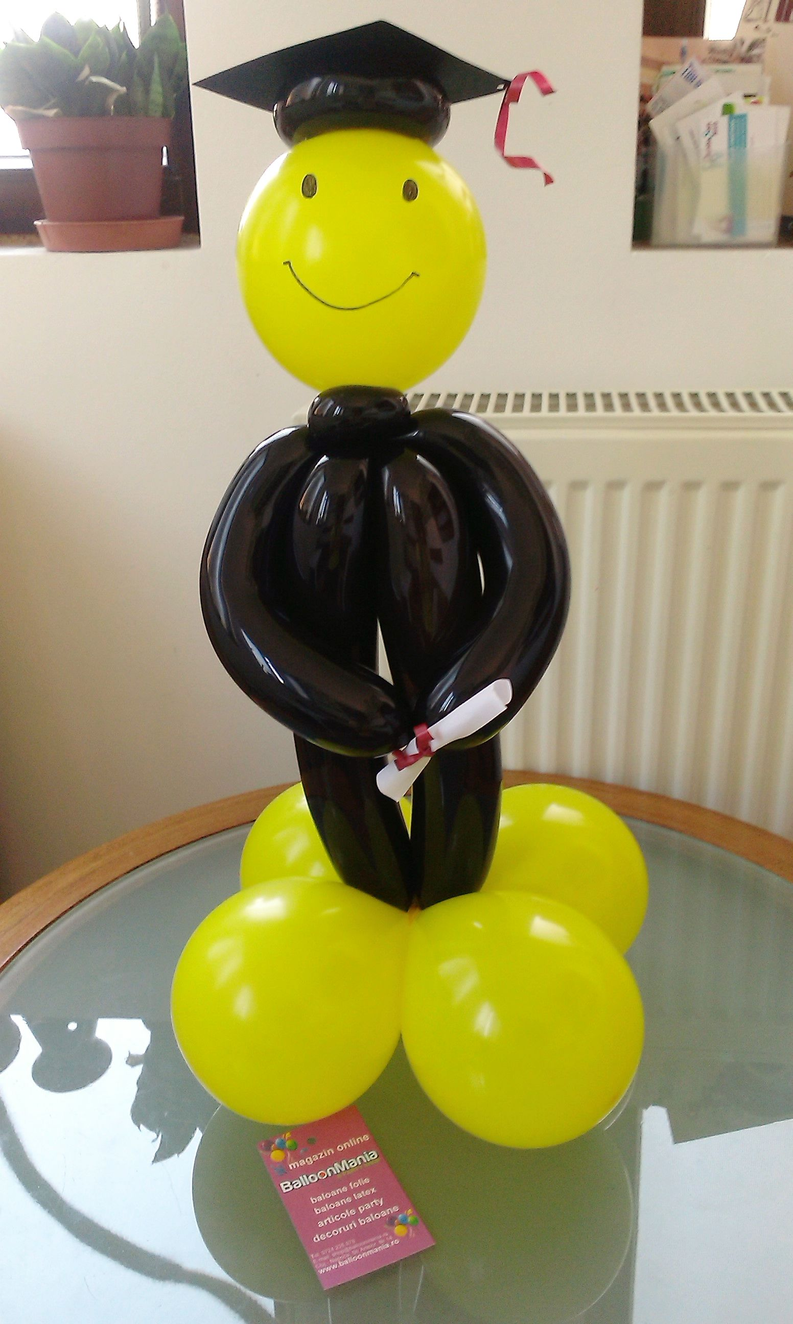 Graduation globos pinterest graduation ideas for Balloon decoration ideas for graduation