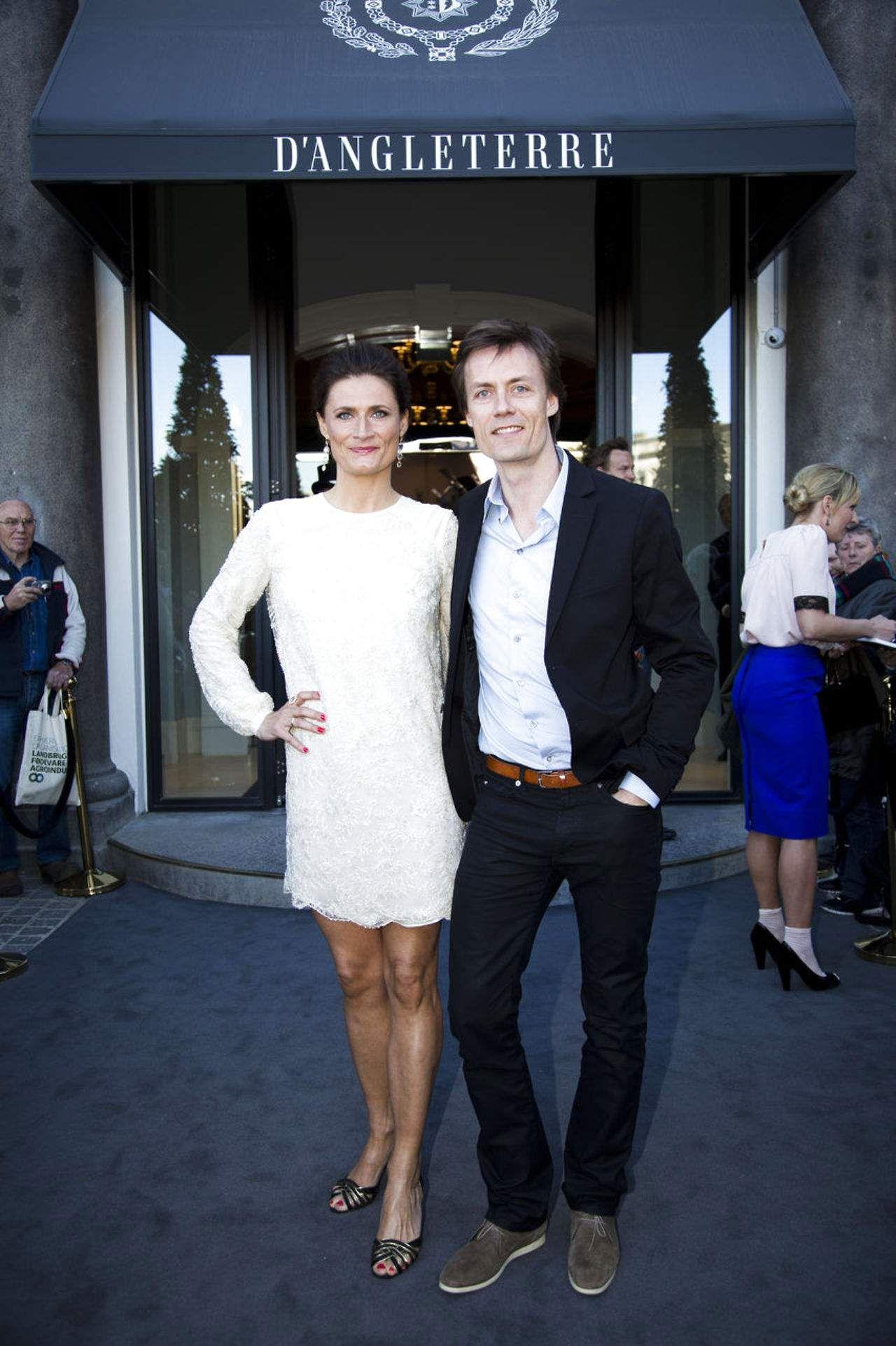 Sisse Fisker med sin kæreste Sune Mogensen.