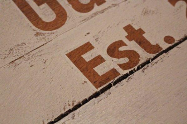 How To Paint Crisp Lines When Stenciling Pallets Pallet