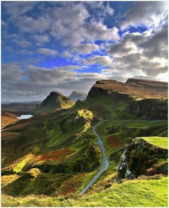 Amazing Places To See Scotland: Trotternish Ridge (the Quiraing), Scotland