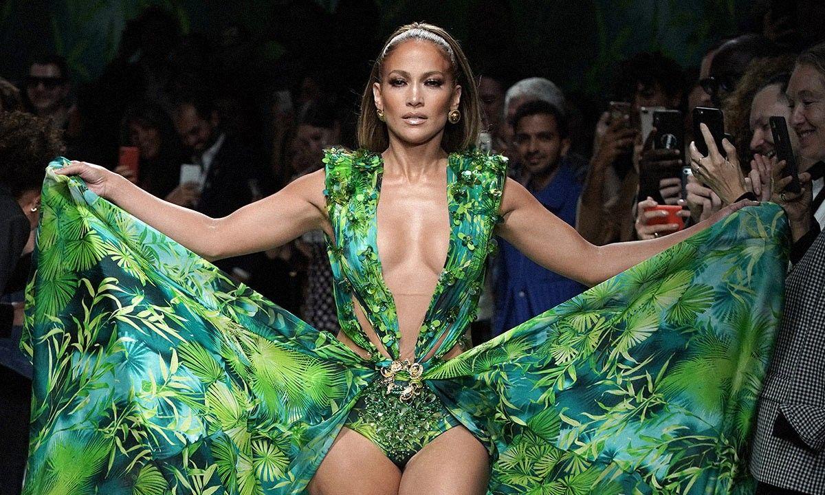 J Lo S Versace Dress Didn T Break The Internet It Built It Versace Dress Iconic Dresses Jennifer Lopez Versace Dress [ 720 x 1200 Pixel ]