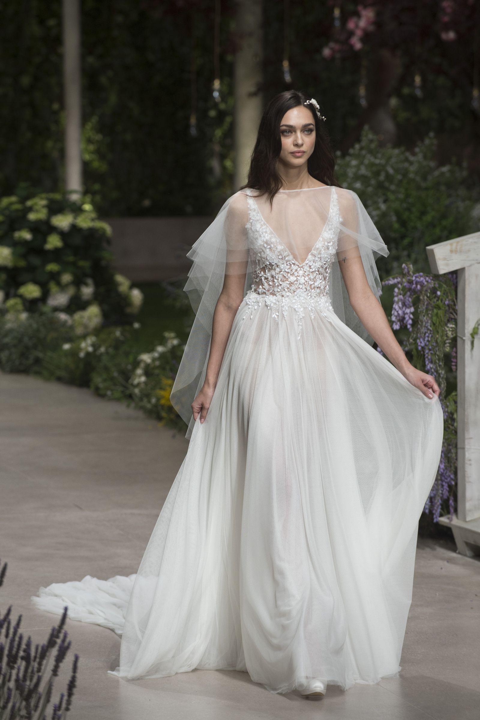 239219db0428 I 100 abiti da sposa più belli e chic direttamente dalla Barcelona ...