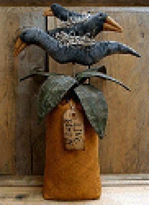 Stacking Crows on Pineapple - Prim Peddler