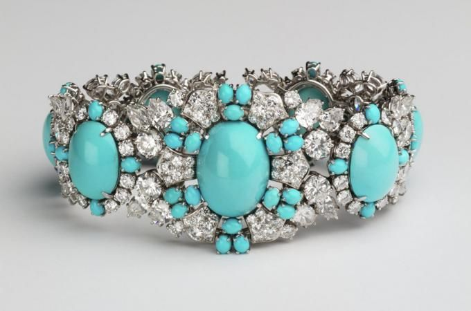 Spectacular! Gems and Jewelry from the Merriweather Post Collection | Hillwood Estate, Museum and Garden