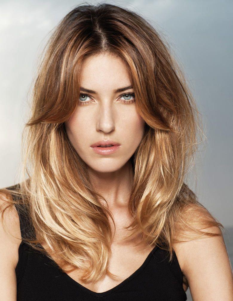 coiffure tendance (avec images) | Coiffure raie au milieu, Coupe cheveux mi long, Cheveux mi long