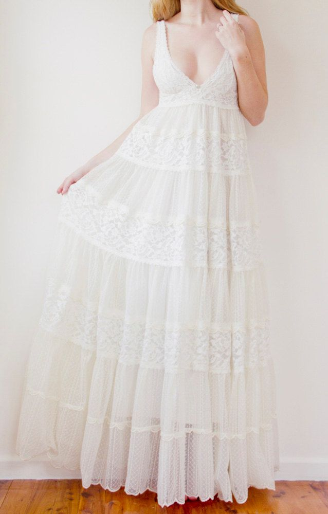 Babydoll Style French Lace And Embroidery Ivory Wedding Dress Perfect For The Bohemian Vintage Bride Mariage Robe Dentelle Idees Vestimentaires Robe De Mariee