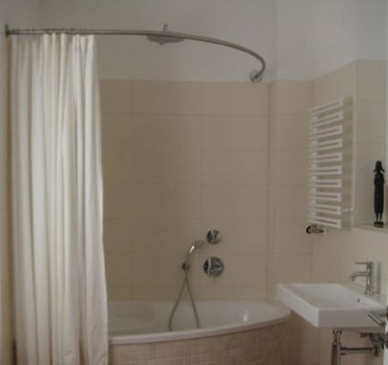 barre de baignoire d angle extensible tringle a rideau. Black Bedroom Furniture Sets. Home Design Ideas