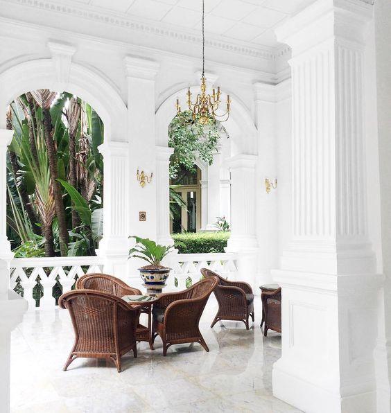 Colonial Interior Design Singapore: Porch Inspiration: Raffles Hotel, Singapore