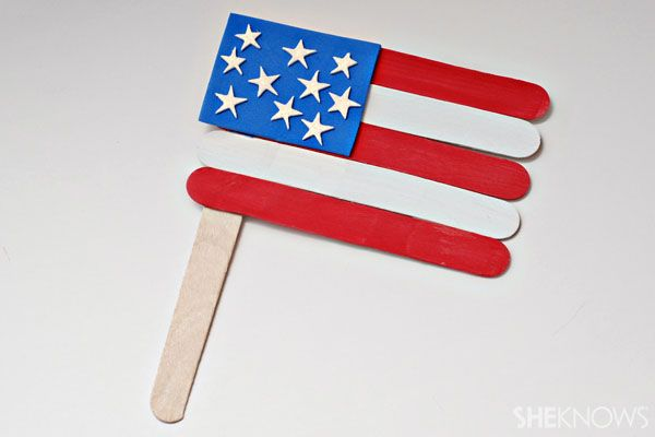 Get Ready For Memorial Day With These Star Spangled And Kid Friendly Crafts American Flag Crafts Flag Crafts Olympic Crafts