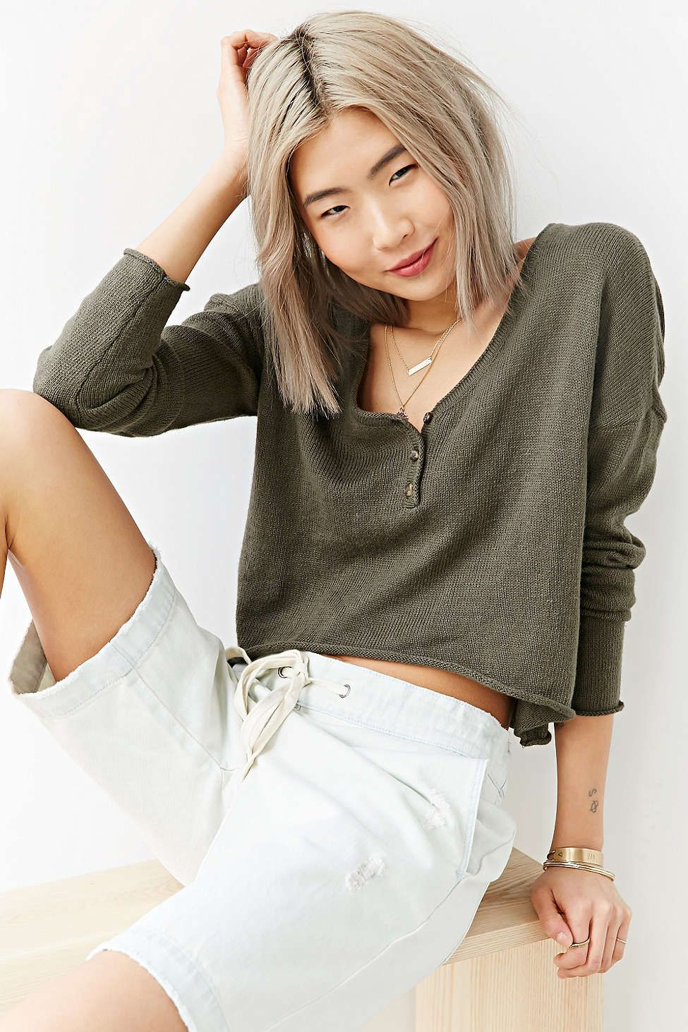 c4517aa527 Mouchette Cropped Henley Top - Urban Outfitters