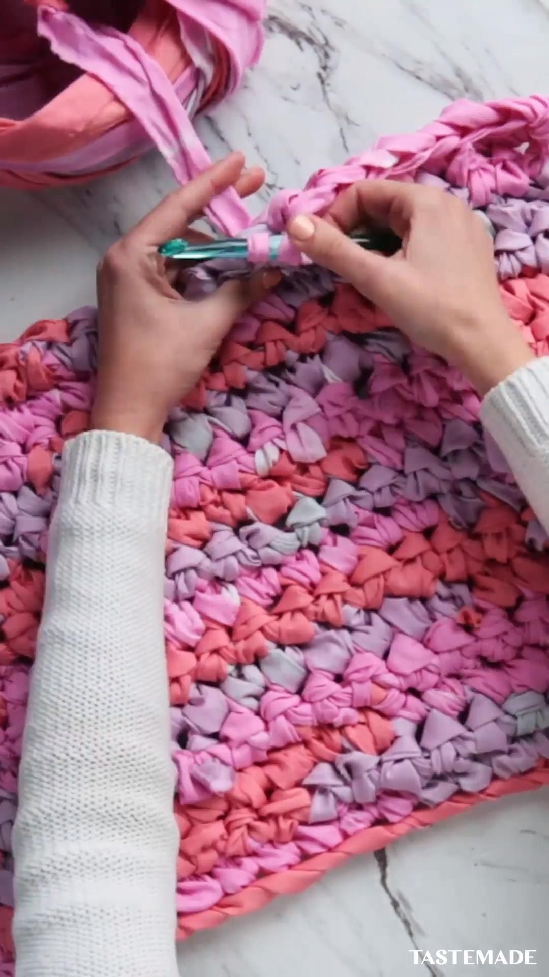DIY Fabric Scraps Rug