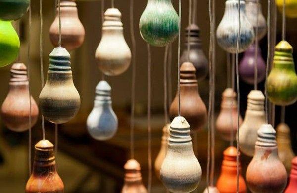 DIY Deko aus Glühbirnen pastell farben