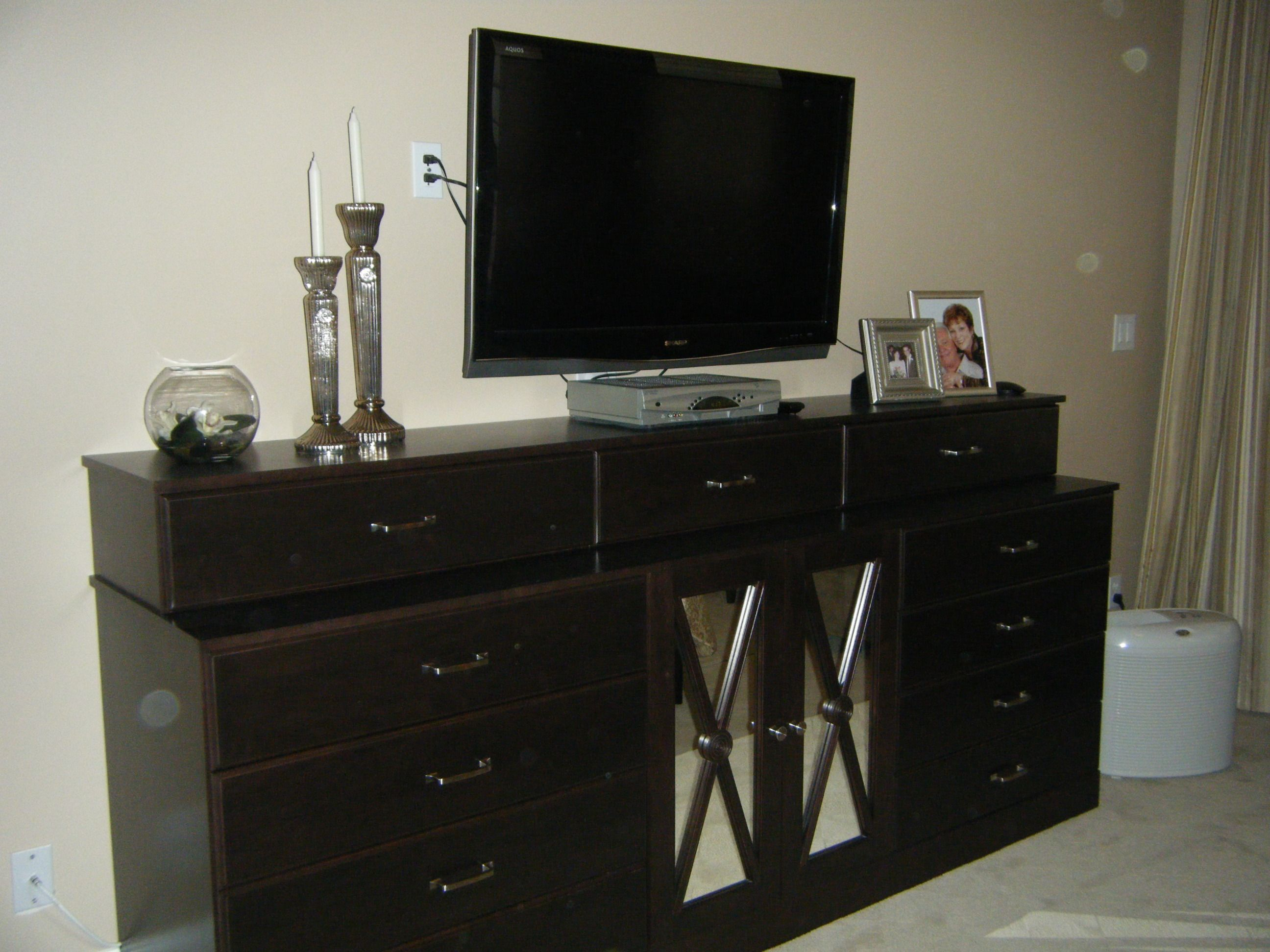 Creative And Modern Tv Wall Mount Ideas For Your Room How To Hide Wiring Mounted Bedroom Wires