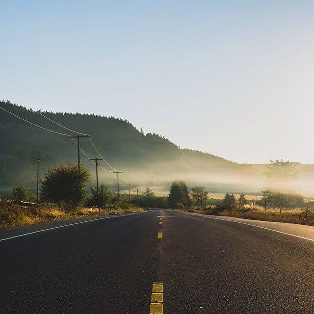 Roads or trails? Where do you like to do your Sunday long run? #chewrungum #RunGum #sundayfunday #roads #oregon