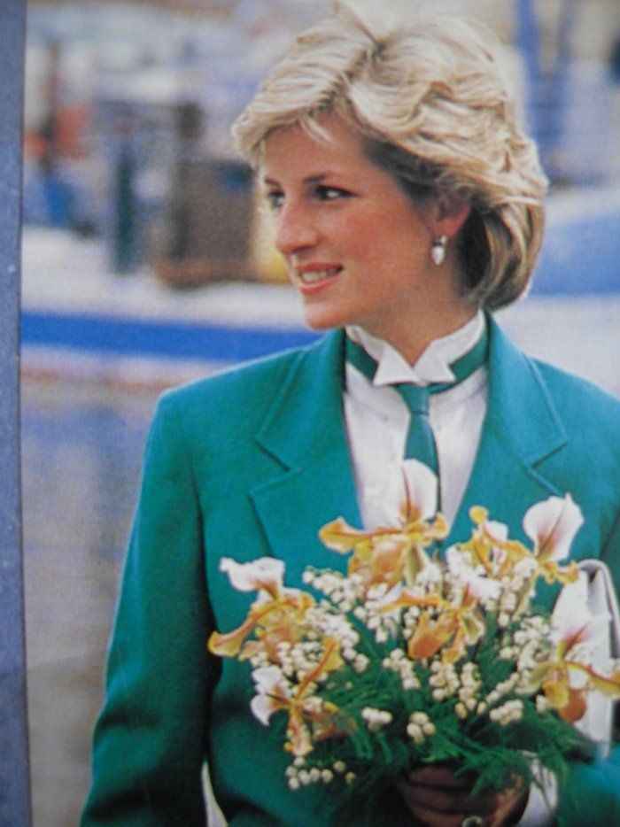 April 24, 1985: Princess Diana leaving Livorno, Italy on the royal yacht Brittania's barge.