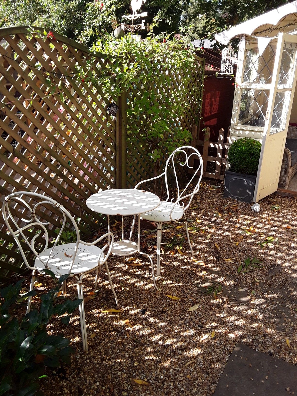 Tidy Up Time All The Leaves Are Falling At Bobbin Cottage Little Cottage Outdoor Decor Outdoor Table
