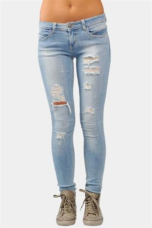 1000  images about ripped jeans:) on Pinterest | Hooker heels