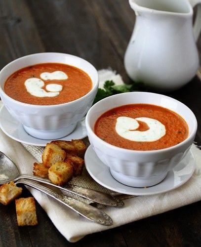die besten 25 paprika suppe ideen auf pinterest paprikasuppe partysuppen rezepte und paprika. Black Bedroom Furniture Sets. Home Design Ideas