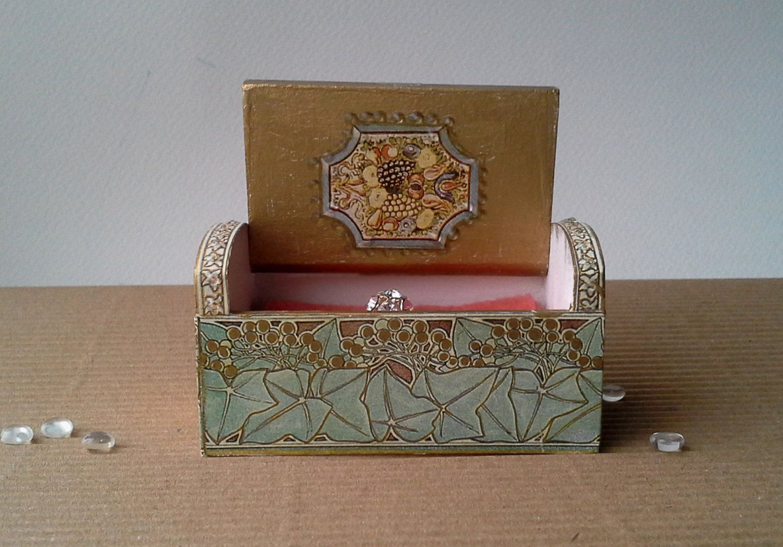wedding decor, ring bearer box, wedding ring box, engagement ring