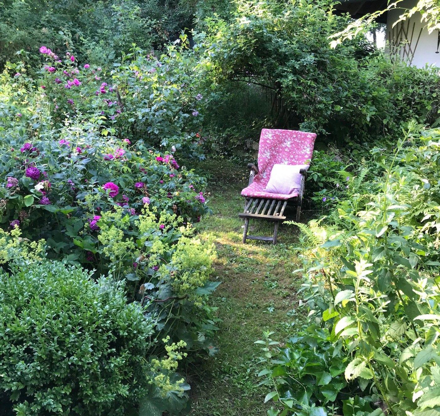 11 Tipps Fuer Einen Pflegeleichten Garten Weniger Arbeit Mehr Genuss In 2020 Pflegeleichter Garten Cottage Garten Garten