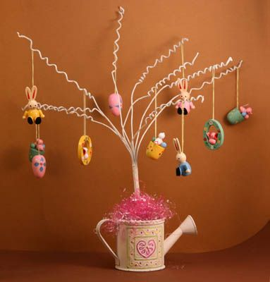 Miniature Easter Gifts and Decorations: Make An Easter Display Tree