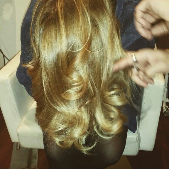 #bronde #capellispendenti #amaryllisparrucchieri love