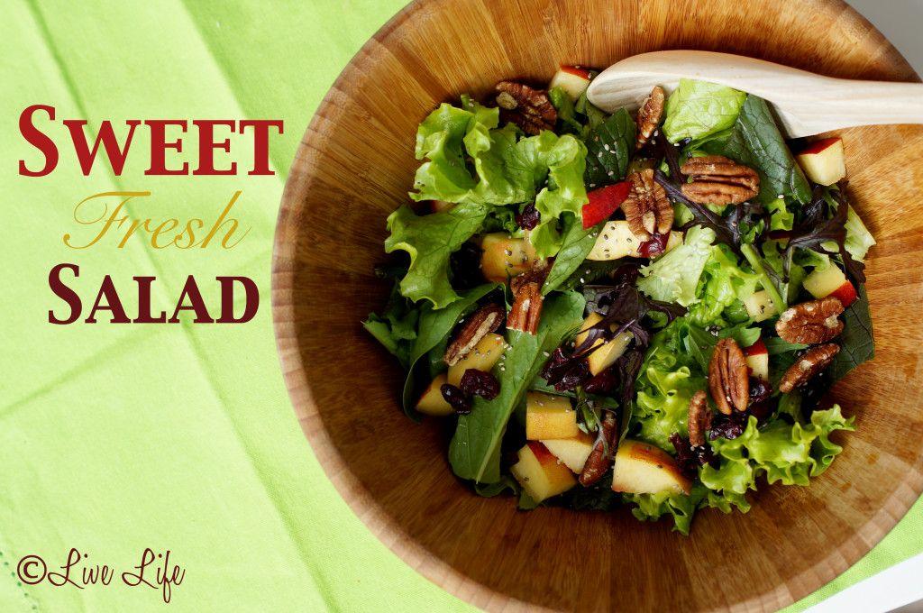 #easy #salad #fresh #ensalada #vegano #vegan #fruit #veggies #apple #cranberries #lettuce #recipe #receta #facil #salud #comidasaludable #bienestar