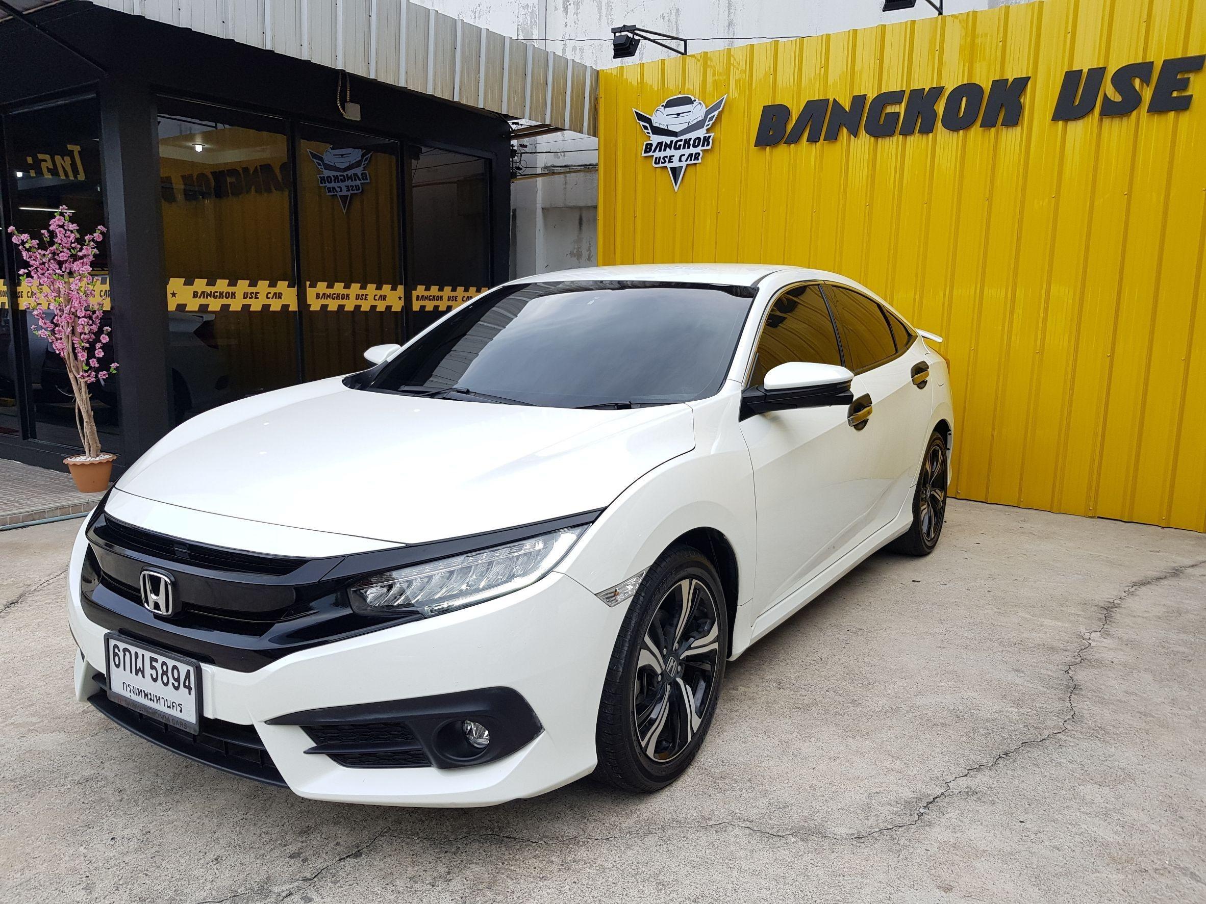 Honda New Civic Turbo RS 1.5 cc.🎈 🎗 สีขาว 🎗 🏆 ปี 2017