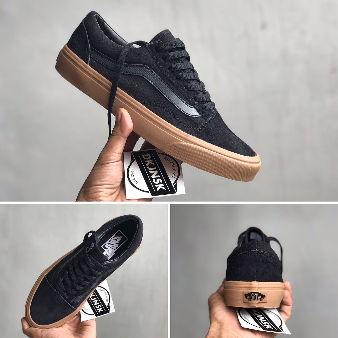 87e6d576fb0e ... DKJNSK SHOES BANDUNG ( dkjnsk shoes) op Instagram    dkjnskoldskool   READYSTOCK LIMITED STOCK !!! . Vans Old Skool Black Gumsole Harga    260.000 . Size…