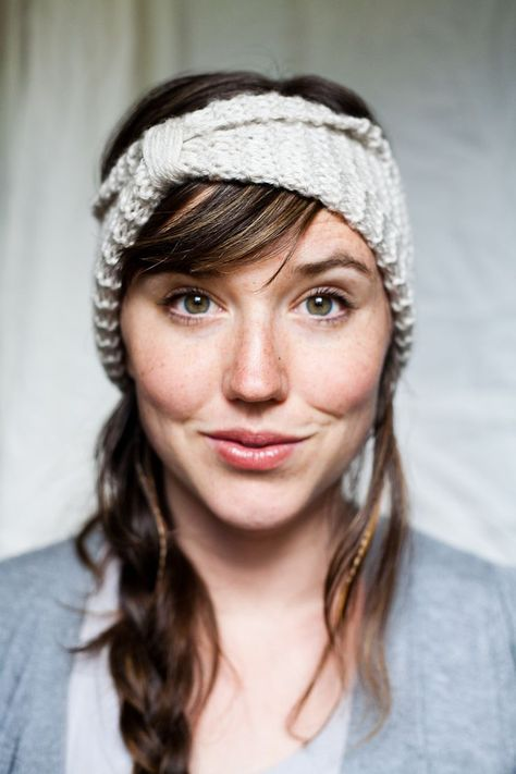 Really easy beginner pattern for knitting a headband. Only uses the ...