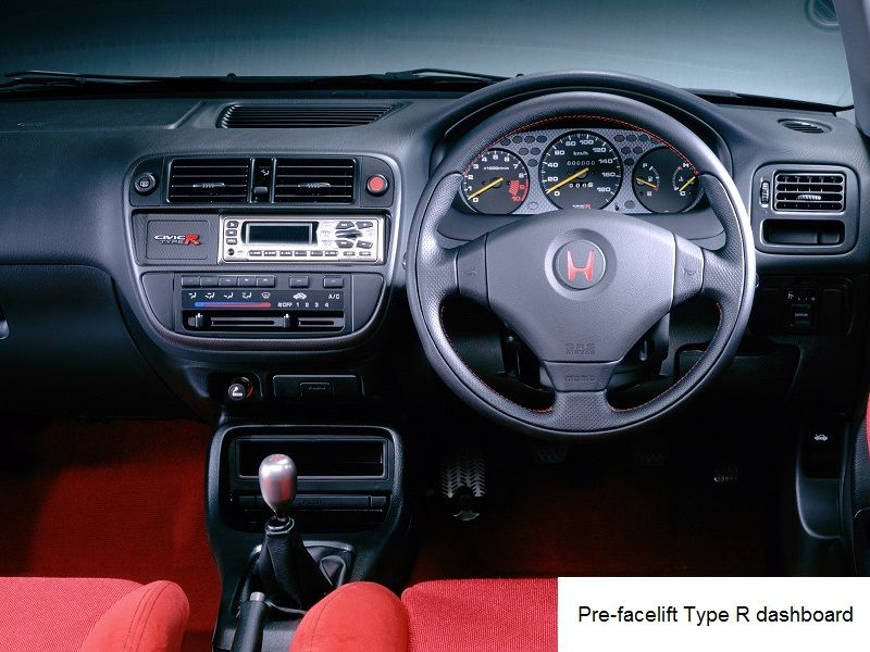 Type R Honda Civic EK9 Dashboard and steering wheel