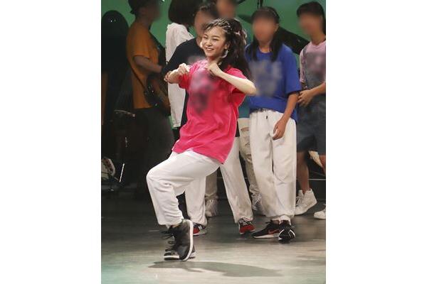 佳子 さま ダンス 動画