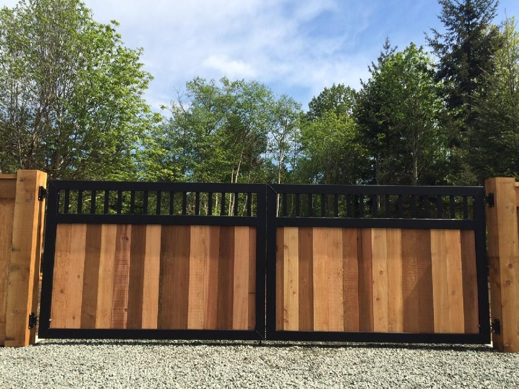 Image Result For Black Metal Wood Fence And Gate Iron Fence Gate Wood Gate Wood Gates Driveway