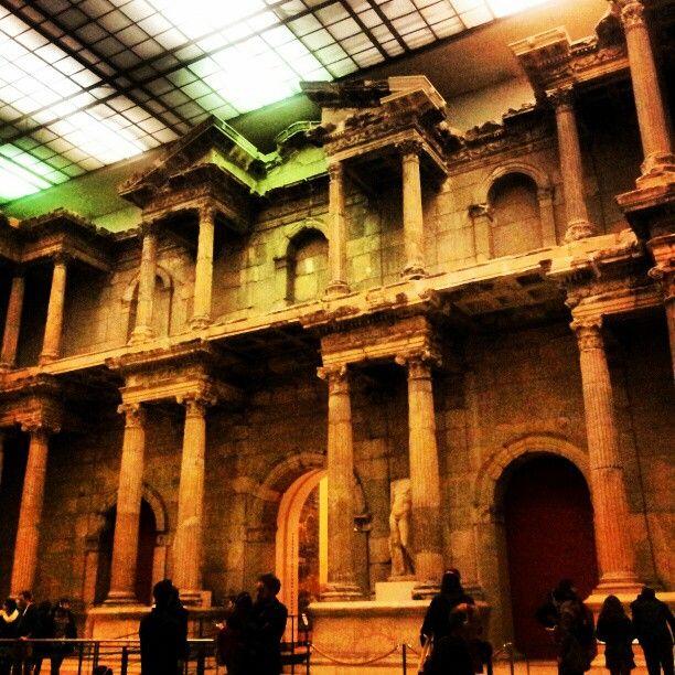 Pergamonmuseum In Berlin Berlin Places To Go Berlin Museum