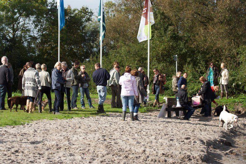 Opening hondenstrand 2012 Brielse Maas