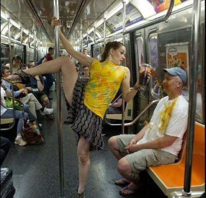 Photos Taken at the Right Moment | Funny Things | Blonde jokes, Dance  memes, Crazy people