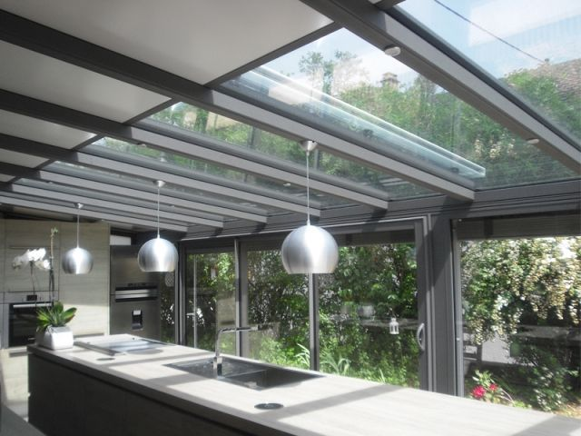 comment isoler une vieille veranda best avantaprs une vranda rnove pour pouvoir tre utilise en. Black Bedroom Furniture Sets. Home Design Ideas