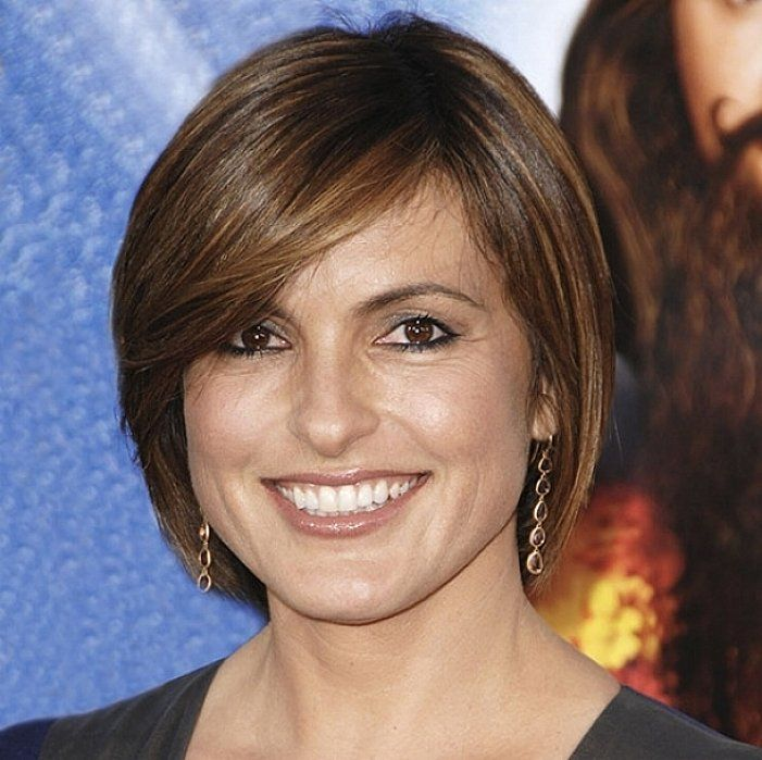 Short straight bob hairstyles for fine thin hair with dark brown ...