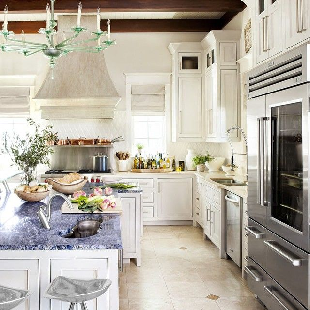 The Five Star Kitchen Of Master Chef @emerilu0027s Airy Seaside Retreat In  Florida.