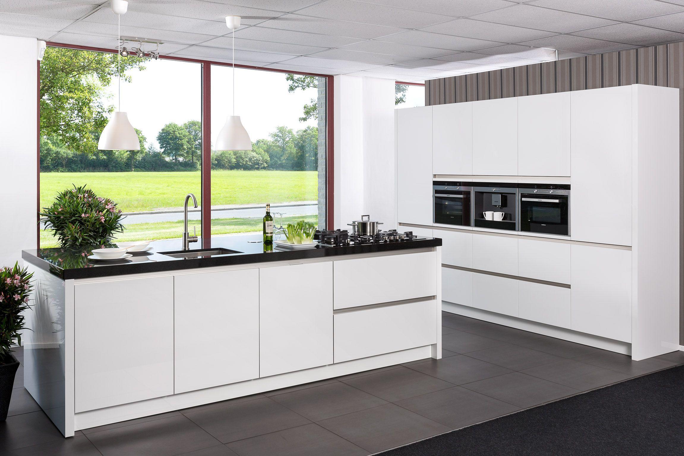 Keuken met kastenwand en kookeiland google zoeken keuken pinterest keuken zoeken en google - Keuken met kookeiland table ...