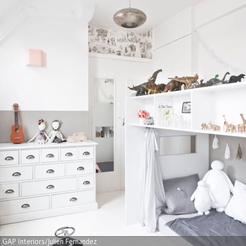 kleines kinderzimmer einrichten pinterest kleines kinderzimmer ablage und bett. Black Bedroom Furniture Sets. Home Design Ideas