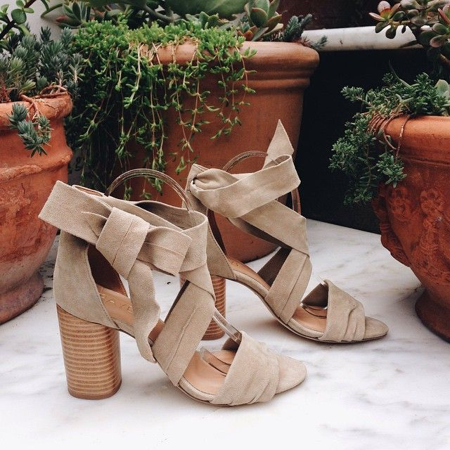 i need these shoes now!!! raye the label mia sandals | sweet