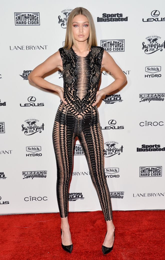 Gigi Hadid in stunning provocative outfit. | Gigi Hadid in ...