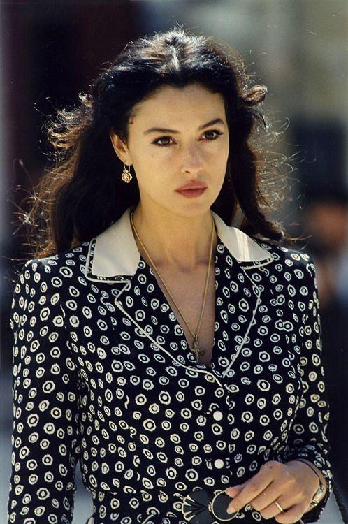 Monika Belluchchi V Filme Malena 2000 In 2020 Monica Bellucci