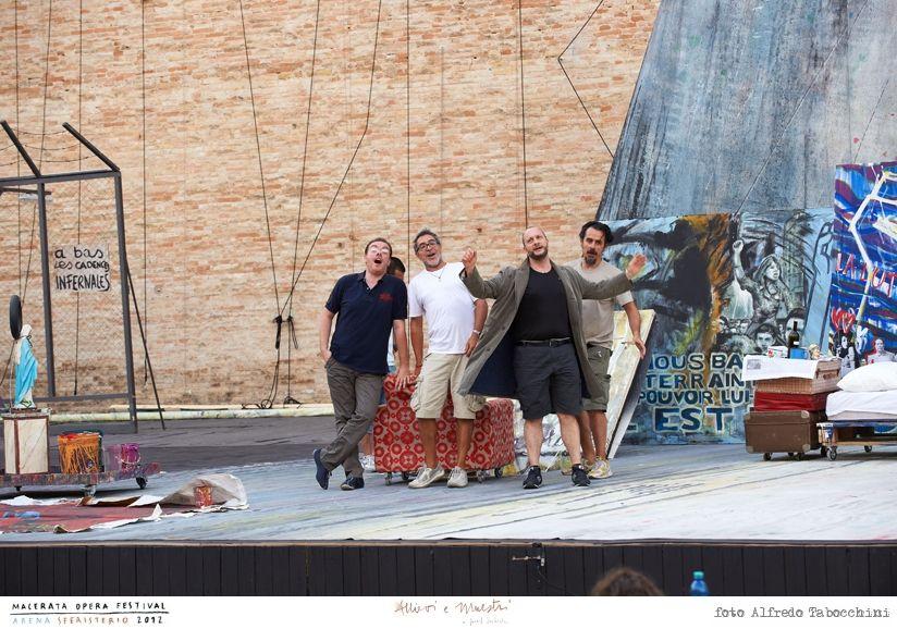 PROVE // LA BOHÈME // 2012 // Foto Alfredo Tabocchini. La scenografia che ambienta l'opera di Giacomo Puccini nel maggio francese a cavallo tra la fine degli anni '60 e l'inizio dei '70 a cura di Federica Parolini. #allieviemaestri #boheme #altrochelopera www.sferisterio.it