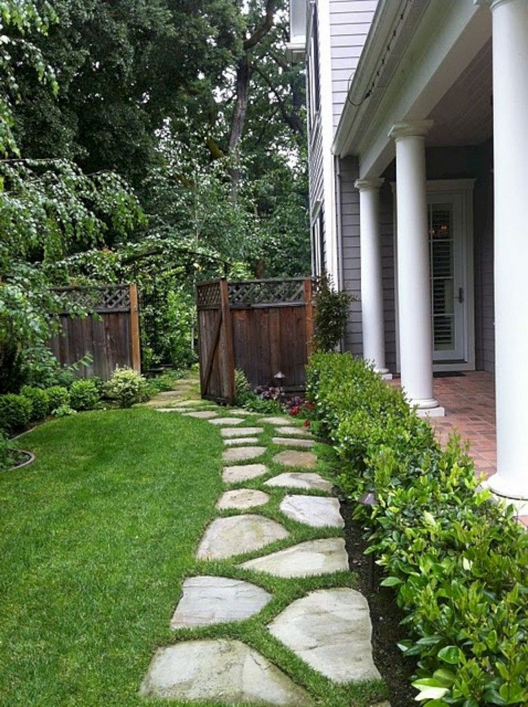 28+ Best Backyard Stepping Stone Walkway Ideas for Your ... on Stepping Stone Patio Ideas  id=92297