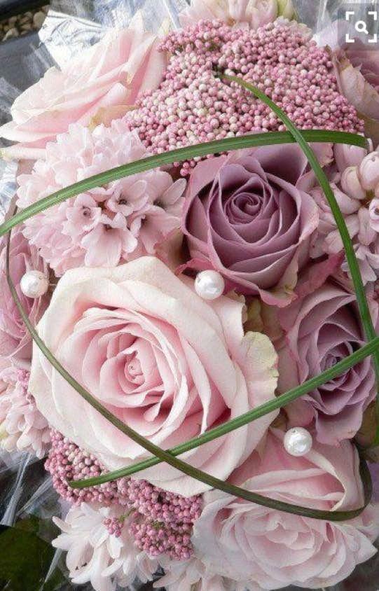 Pin Von Irina Koukal Auf Wedding Blumenstrauss Hochzeit Brautstrauss Altrosa Hochzeit